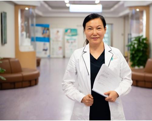 广州紫馨:《瑞丽》首次医美专访丨紫馨苑凯华教授激光祛斑美肤大揭秘
